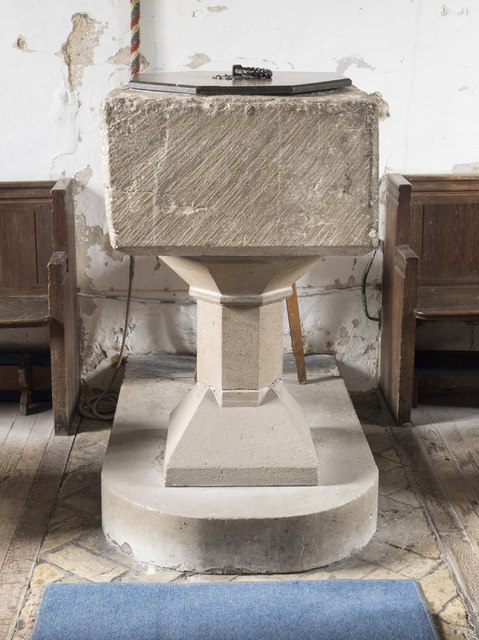 St Mary, Mepal - Font