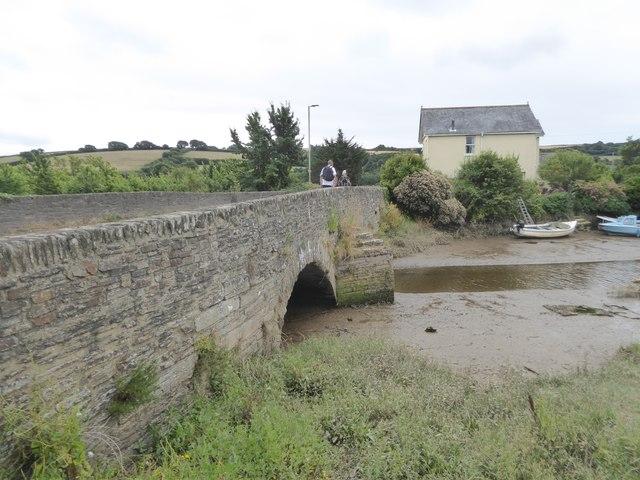 Bridge over creek by River Avon at Aveton Gifford