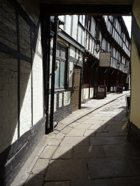 Alleyway through timber-framed houses