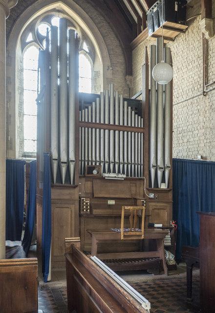St Nicolas, Manea - Organ