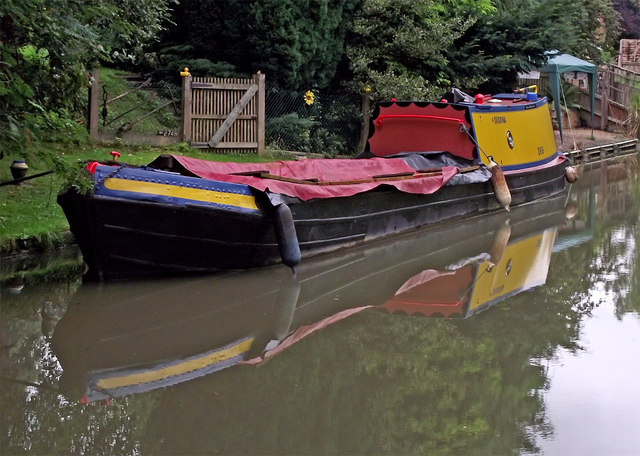 Working narrowboat near Watford in Northamptonshire