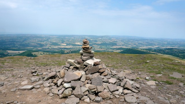 Cairn on Lord Hereford's Knob