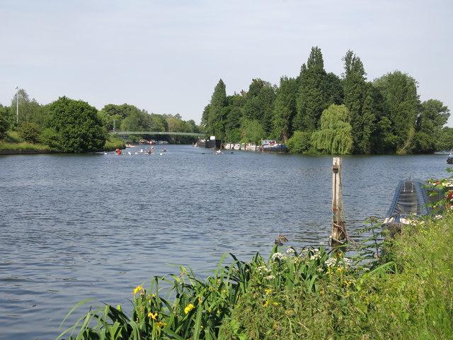 The River Thames above Platt's Eyot