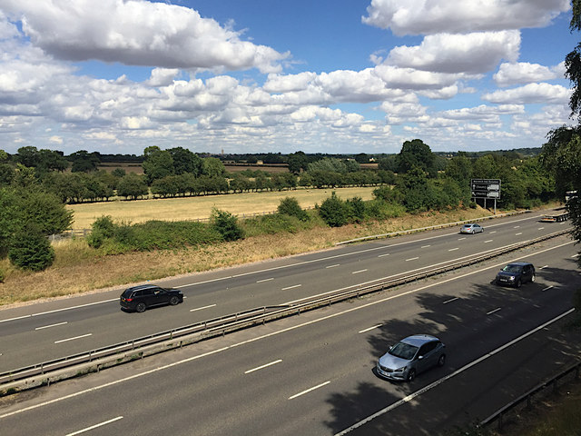 Fields by the M40 seen from the B4463 crossing