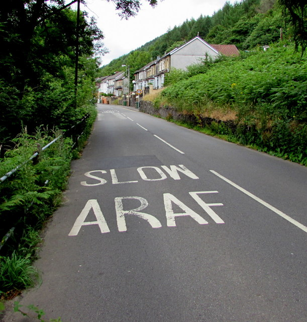 SLOW/ARAF on the southeast approach to Deri