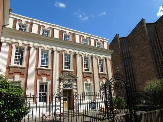 11 Priory Row