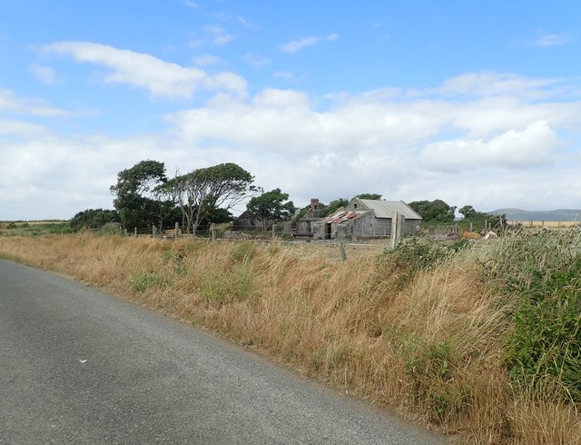 Ruined homestead south of Ballagan Point
