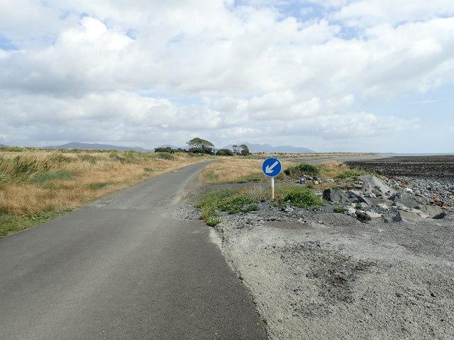 Ad hoc measures to combat sea erosion on the coastal road