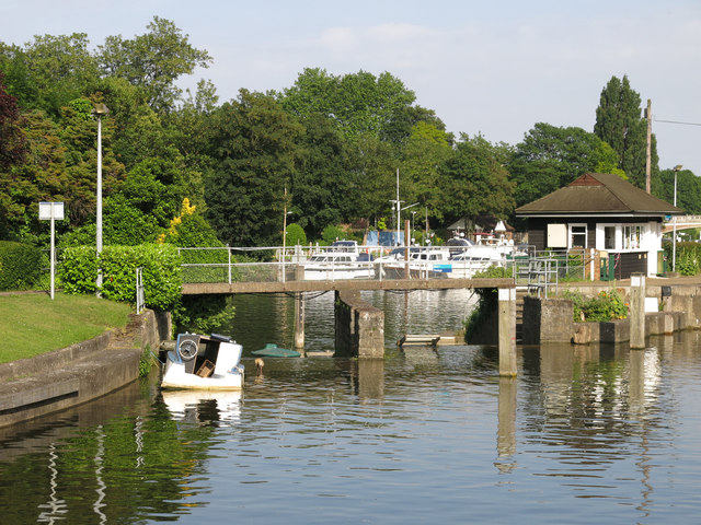 Overflow channel at Molesey Lock