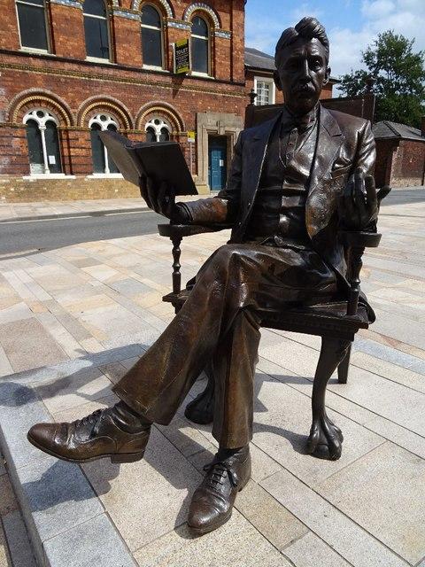Arnold Bennett Statue