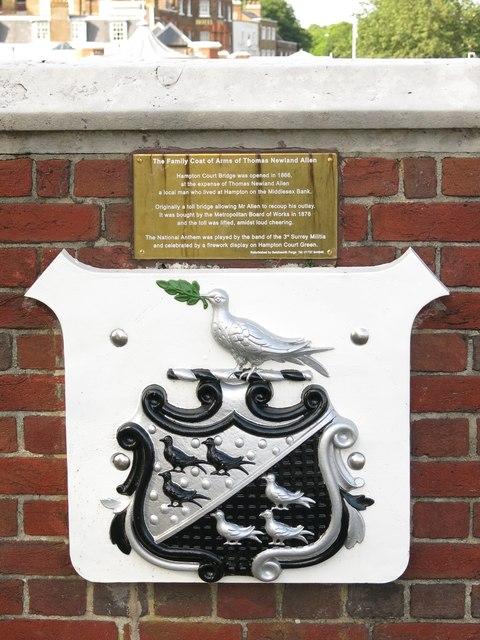 The coat of arms of Thomas Newland Allen, Hampton Court Bridge