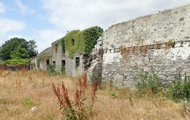 Derelict grange at Whites Town