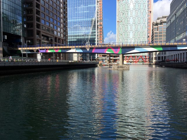 DLR bridge over Middle Dock