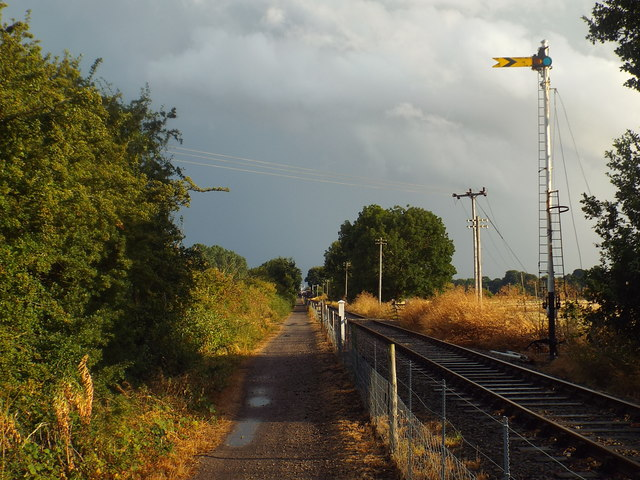 Semaphore signal next to Brampton Valley Way, near Brixworth