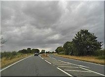 SU5893 : Henley Road, Shillingford by David Howard