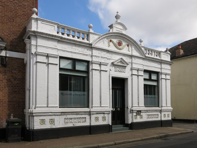 The Riverside Arts Centre, Thames Street