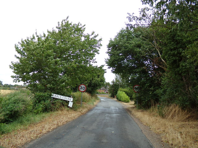 Entering Earls Colne on Tey Road