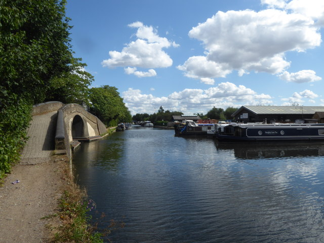 Grand Union Canal at Cowley Peachey
