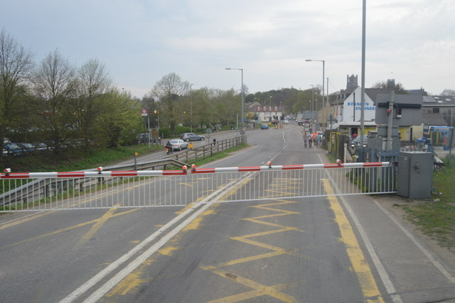 Level crossing, A142