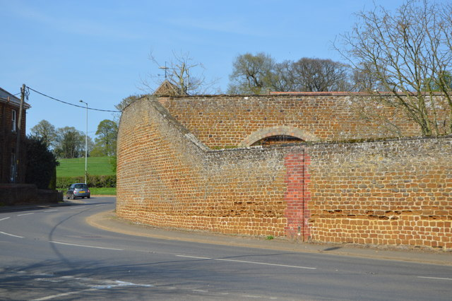 Wall, Snettisham Old Hall