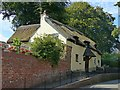 SK3516 : Thatched cottage, 1 Hill Street, Ashby-de-la-Zouch by Alan Murray-Rust