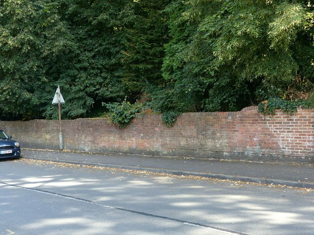 Roadside wall, Kilwardby Street, Ashby-de-la-Zouch