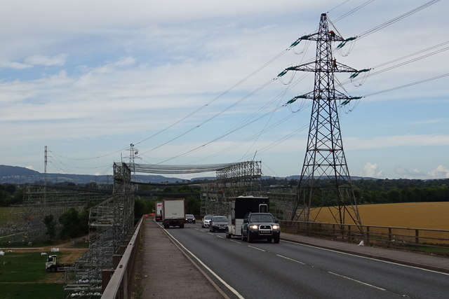 Electricity pylon workers