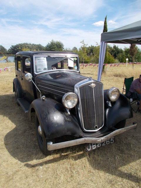 1935 Wolseley New Fourteen at the Maxey Classic Car Show, August 2018
