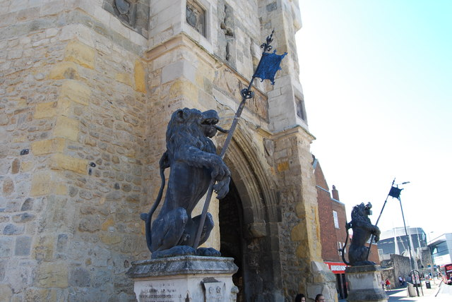 Lions guarding the Bargate