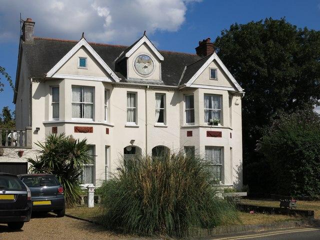Large semi-detached house, Thames Side (2)