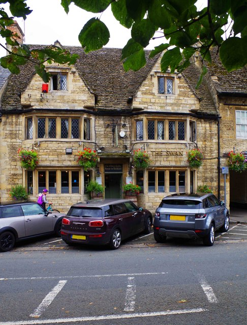 The Swan Inn (1), Burford Street, Lechlade-on-Thames, Glos