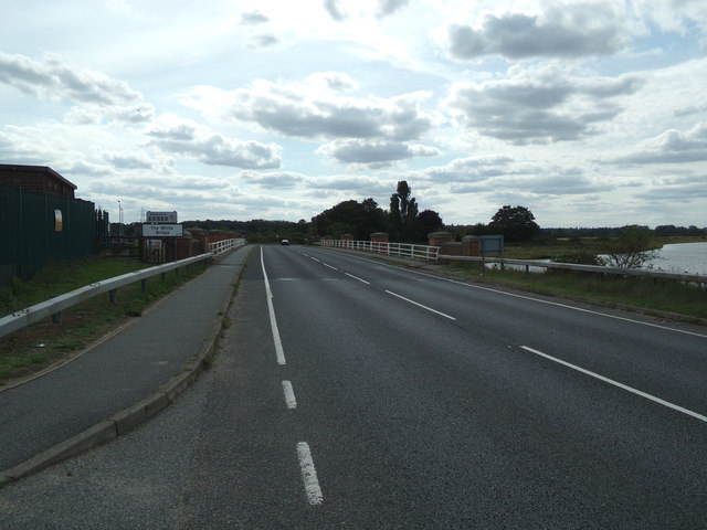Entering Essex on the A137 The Causeway