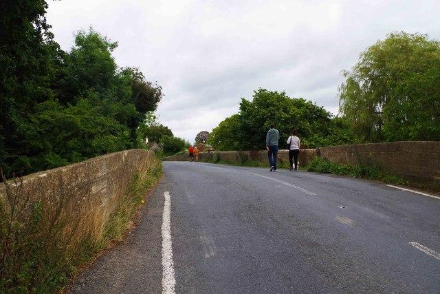 A417 road on St. John's Bridge, Lechlade-on-Thames, Glos