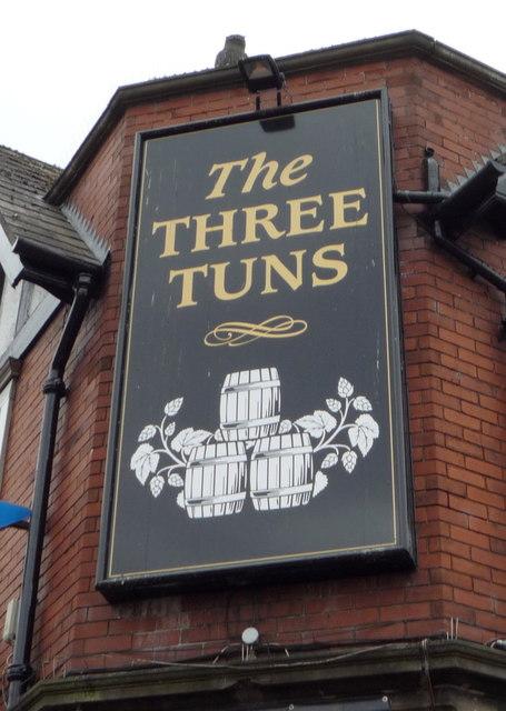Sign on the Three Tuns public house, Gateshead