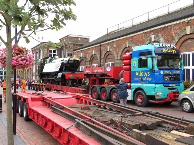 Steam locomotive moves in Swindon