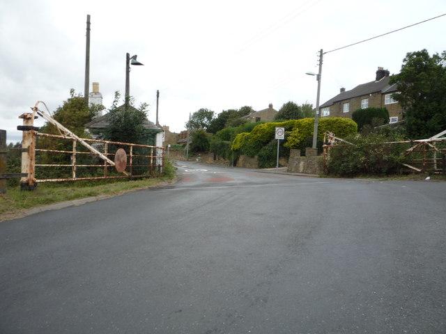Level crossing on Rockcliffe Way, Eighton Banks