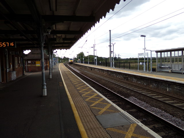 Train No.90008 arriving at Manningtree Railway Station