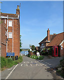 TM2844 : Waldringfield: at the end of Cliff Road by John Sutton