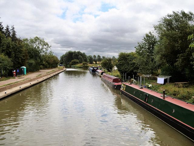 Stoke Bruerne Bottom Lock Moorings