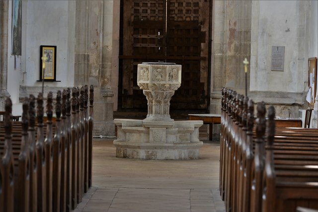 Stoke by Nayland, St. Mary's Church: The c15th octagonal font with emblems of the Evangelists