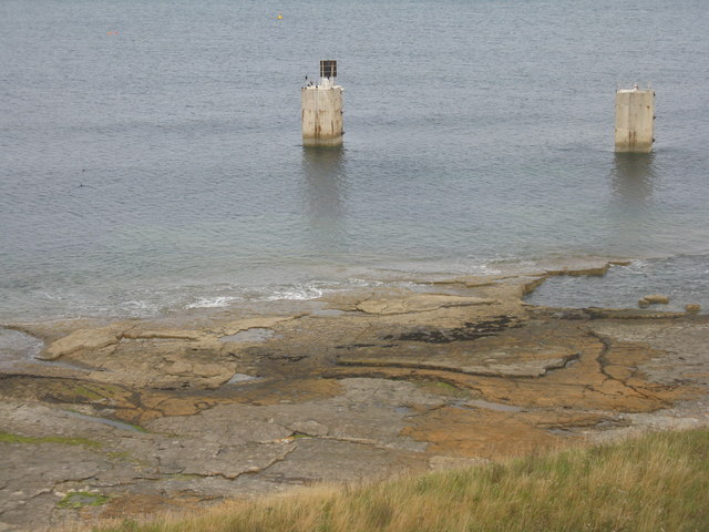 Rocky shore at Torness
