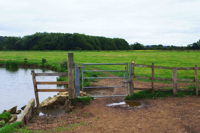 Gate on public footpath by River Thames, Lechlade-on-Thames, Glos