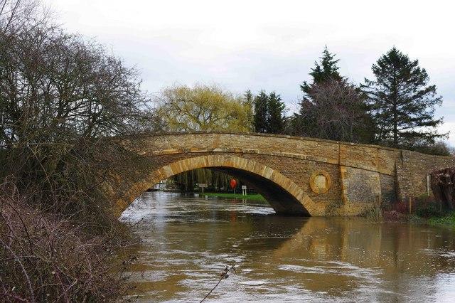 High water at Tadpole Bridge, near Bampton, Oxon