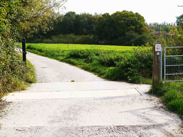 Road from car park to Wilts & Berks Canal terminus at Templar's Firs, Royal Wootton Bassett, Wilts