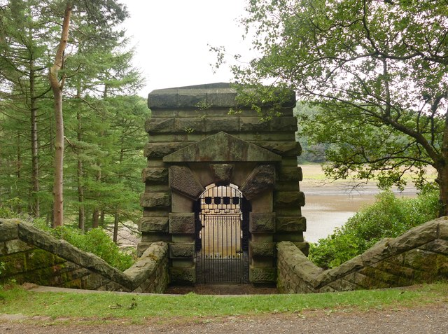 East entrance to Howden Dam