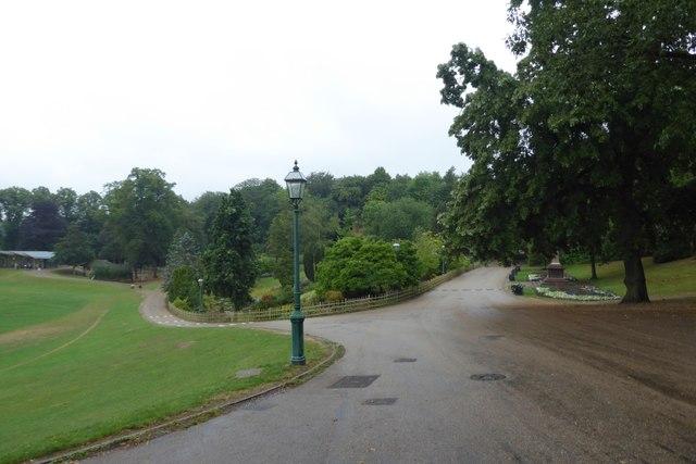 Entering Avenham Park