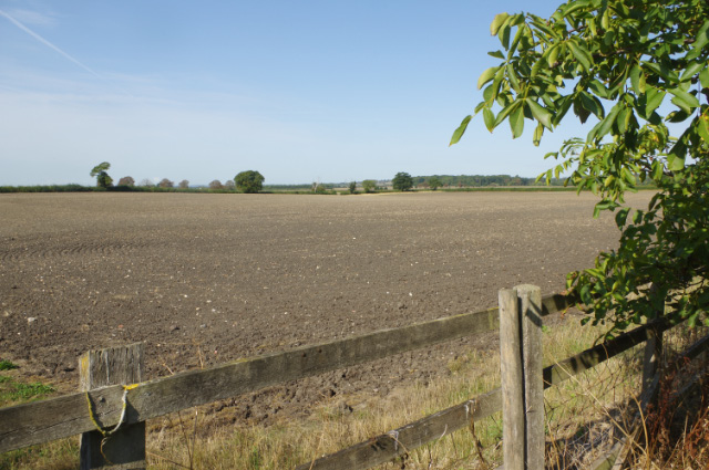 Farmland north of Cheddington