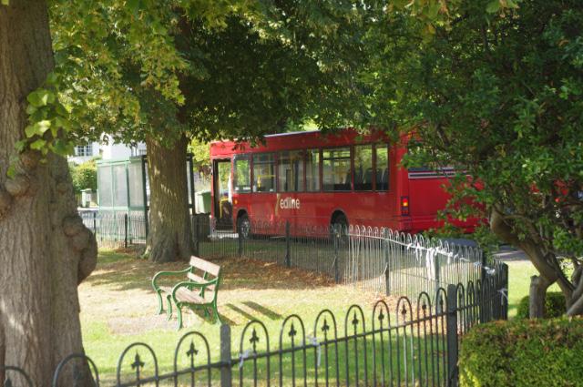 Bus at The Green, Cheddington