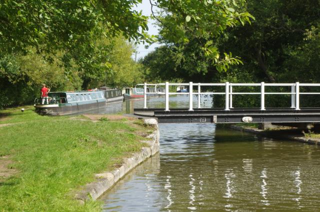 Bridge 125, Grand Union Canal