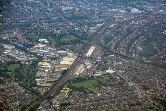 London Borough of Merton : Wimbledon... © Lewis Clarke cc-by-sa/2.0 ::  Geograph Britain and Ireland